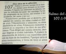 Salmo 107 Dios libra de la aflicción